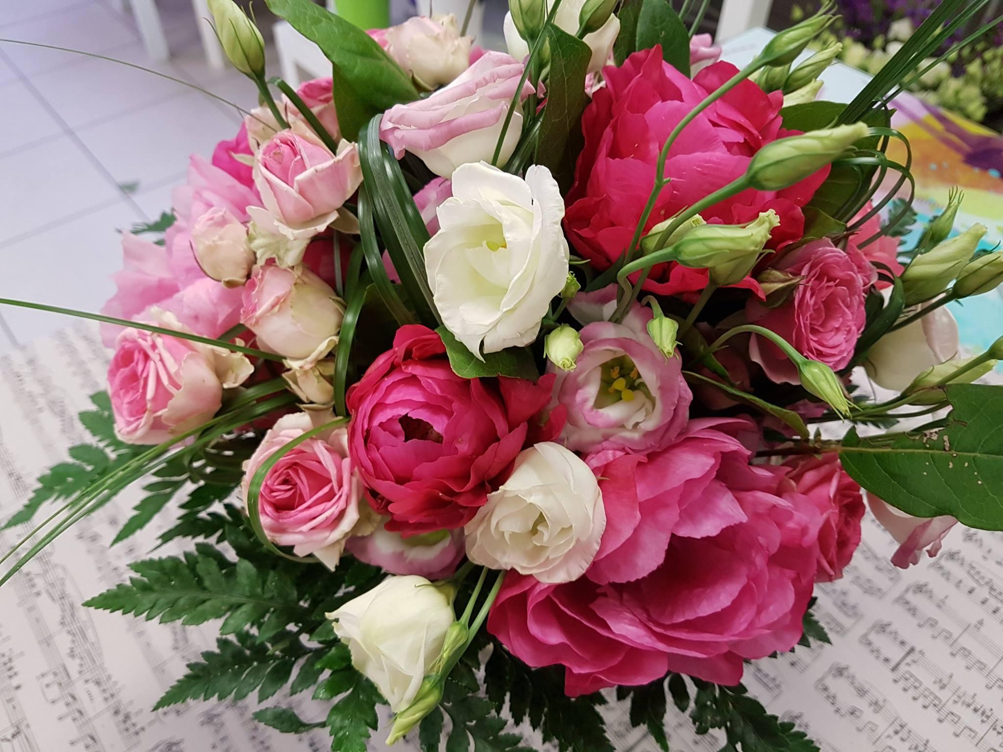 fleuriste-fleuriste Marguerittes-composition florale-bouquet de fleurs-livraison de fleurs-creation florale-fete des meres